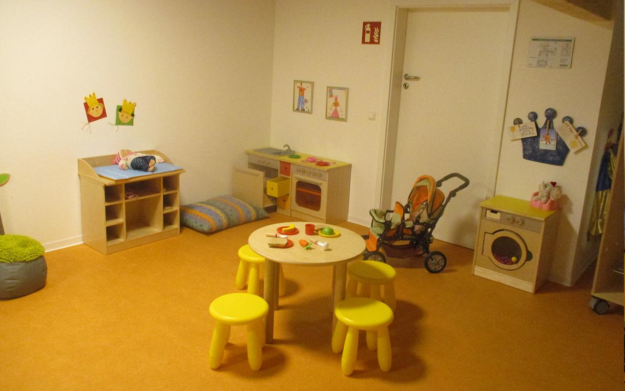 Kindergarten Farbenzauber Spielzimmer